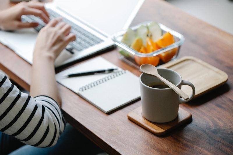 副業Webライターになるには?未経験からの始め方・稼げる収入を解説